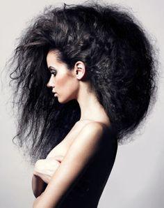 coiffure cheveux frisés épais