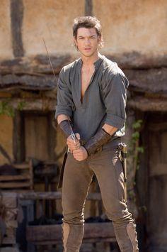 Again... :-D I think that shirt must be linen...it hangs like it is. (Legend of the Seeker)