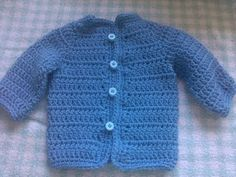 Easy to crochet baby cardigan (Video crochet baby sweater. In this video you will learn how to crochet this baby cardigansweater. Using basic stitches you will be able to crochet this lovely baby cardigan.
