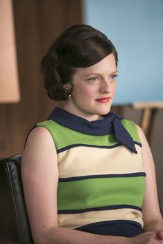 7 Pin for Later: The Bold Costumes on Mad Men Are the Reason Why We Already Miss the Show Season 7 Peggy OlsonPin for Later: The Bold Costumes on Mad Men Are the Reason Why We Already Miss the Show Season 7 Peggy Olson Mad Men Fashion, Fashion Tv, Retro Fashion, Don Draper, Betty Draper, Mad Man Serie, Mad Men Peggy, Mad Men Characters, Peggy Olson