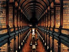 This library is SO amazing. Located at Trinity College in Dublin - where you also can see the book og Kells