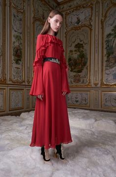See the complete Giamba Fall 2017 Ready-to-Wear collection. See the complete Giamba Fall 2017 Ready-to-Wear collection. Fashion Bella, Fashion 2017, Fashion Models, High Fashion, Fashion Dresses, Fashion Trends, Beautiful Red Dresses, Milano Fashion Week, Fashion Show Collection