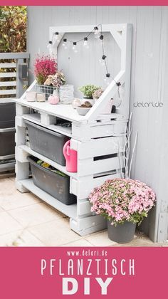Upcycling und Recycling im Garten Pallet planting table DIY garden - delari - instructions Plants in Diy Garden Projects, Diy Pallet Projects, Diy Garden Decor, Pallet Ideas, Diy Garden Table, Plant Projects, Pallet Furniture, Garden Furniture, Furniture Projects