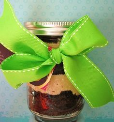 Enjoy a delicious, ready to eat cupcake without the mess! Each pint size jar holds two extra large cupcakes and two layers of creamy icing. You can request your icing colors if you have a particular theme in mind. These make great Christmas gifts for teachers and neighbors. They also ship well, making the perfect gift to send across the miles! Cupcakes will stay fresh for three weeks if refrigerated, up to 4+months if frozen!