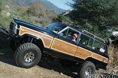 1987 Jeep SJ Grand Wagoneer My mom needs this thing :)