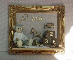 QUADRO PARA MATERNIDADE COM O NOME DO BEBÊ .  Moldura de 39 x 33 cm em resina  Urso em resina .    PODE SER FEITO NA COR DE SUA PREFERENCIA !