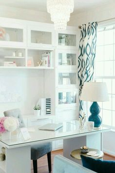 Another awesome office idea! I'm loving the bright, chic, and clean, with a bit of color pops throughout....love it!