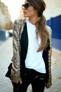 Wondering what to wear? Find outfit ideas, shopping, and street style inspiration to help you get dressed for work, dates, parties and more! Look Fashion, Street Fashion, Fashion Beauty, Womens Fashion, Fashion Trends, Fashion Black, Fashion Details, Fashion Bloggers, Dress Fashion