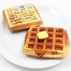 Mail a waffle? Send well-wishes to your waffle-loving friends with this easy, mailable, waffle postcard craft. Haha what the heck? Diy Arts And Crafts, Crafts For Kids, Homemade Gifts, Diy Gifts, Snail Mail Pen Pals, Fun Mail, Play Food, Pretend Food, Felt Food