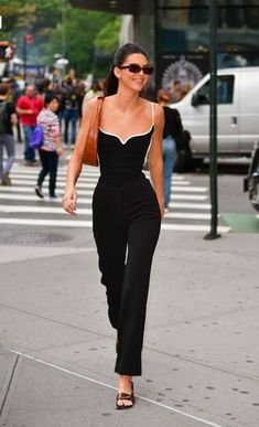 Style Outfits, Model Outfits, Fashion Outfits, Fashion 2020, Look Fashion, Fashion Models, Fashion Trends, Kendall Jenner Outfits, Modell Street-style