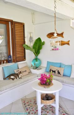 """Shabby and Charming: So many """"summer"""" ideas in a beautiful house overlooking the Mediterranean"""