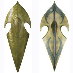 The High Elven Warrior Shield is a reflection of the stately army of Elves that fought against Sauron and his forces, and was designed around a leaf motif, adorned with an elven vine design to reflect the organic nature-based culture of the Elves. Lord of the Rings