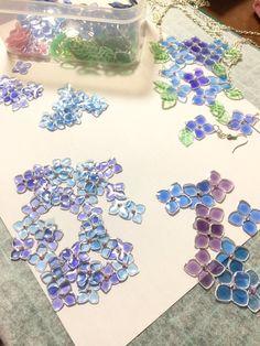 埋め込み Diy Resin Crafts, Wire Crafts, Diy And Crafts, Nail Polish Flowers, Nail Polish Crafts, Plastic Jewelry, Resin Jewelry, Jewellery, Uv Resin