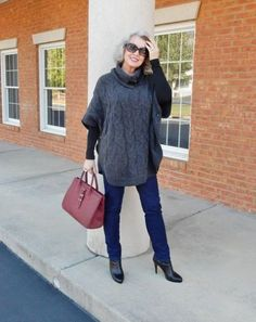 Best Clothing Styles For Women Over 50 - Fashion Trends Over 60 Fashion, Mature Fashion, Over 50 Womens Fashion, 50 Fashion, Trendy Fashion, Plus Size Fashion, Winter Fashion, Fashion Outfits, Fashion Tips