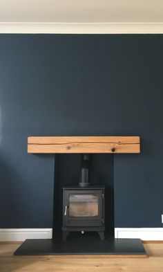 Fireplace with farrow and ball Hague blue - Aufenthaltsraum Navy Living Rooms, Dining Room Blue, Living Room Paint, Living Room Colors, Home Living Room, Living Room Decor, Fireplace Beam, Log Burner Fireplace, Living Room With Fireplace