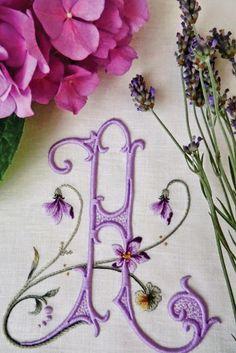 The Italian blog Elisabetta Ricami a Mano's hand embroidery.