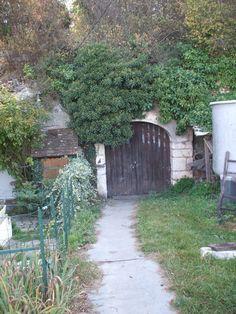 Les caves aux Caux -  GAEC Creuzet  - 4 rue du bois Velaudin 41100 Thoré-la-Rochette Téléphone : 06.82.33.87.23 /  02.54.72.82.00