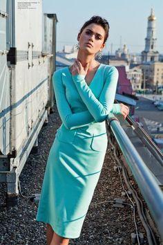Sukienka z dżerseju,z wygodnymi, dekoracyjnymi kieszeniami,głęboki dekolt,doskonale dopasowanie do sylwetki, 101 zł