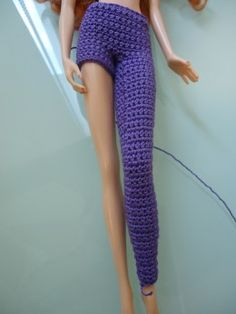 This photo shows the leggings with just one leg done and the other leg with a few Rnds started.