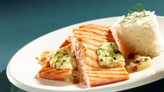 Grilled salmon with mashed apples and fennel purée Polish Recipes, Polish Food, Grilled Salmon, Lidl, Fennel, Cake Recipes, Waffles, Seafood, Grilling