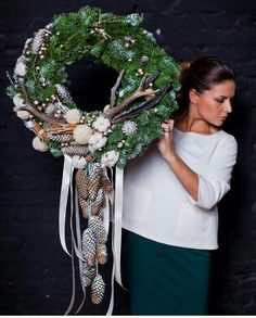 All Saints Day Christmas All Saints Day - Online - . Stick Christmas Tree, Christmas Door, Rustic Christmas, Christmas Arrangements, Outdoor Christmas Decorations, All Saints Day, Christmas Preparation, Beautiful Christmas Trees, Holiday Wreaths