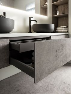 The ultra-thin Dekton Slim surface, with a thickness of just 4 mm, is ideal for cladding kitchen walls and cupboards, resulting in a harmonious blend with Bathroom Design Luxury, Modern Bathroom, Bathroom Furniture Design, Furniture Decor, Küchen Design, House Design, Ideas Baños, Decor Ideas, Outdoor Kitchen Bars