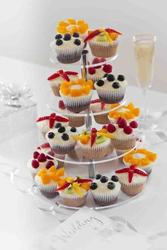 Cup Cakes for Christenings or Wedding Cakes Wedding Cupcakes, Mini Cupcakes, Fruit Decorations, Beautiful Cupcakes, Cake Makers, Cake Toppings, Love Cake, Cakes And More, Good Food