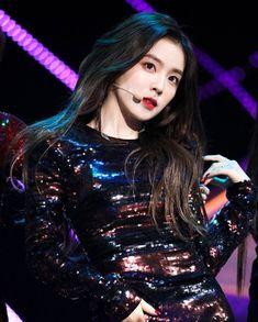 𝚏𝚘𝚕𝚕𝚘𝚠 𝚖𝚎 𝚏𝚘𝚛 𝚖𝚘𝚛𝚎 ©satanjeongyeon Kpop Girl Groups, Korean Girl Groups, Kpop Girls, Red Velvet アイリーン, Red Velvet Irene, Seulgi, Mode Ulzzang, Rapper, Velvet Fashion