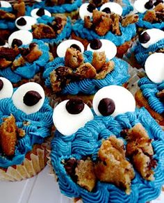 Chocolate Therapy: Chocolate Chip Cookie Dough Cupcakes COOKIE MONSTER