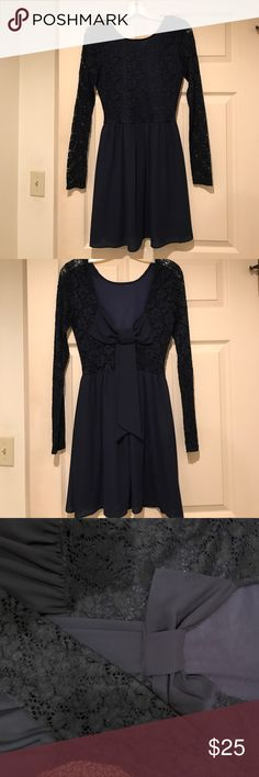 Navy Blue Windsor dress Gorgeous half lace long sleeve dress with swooped back & bow. Great for several occasions. Senior pictures! Weddings! Homecoming! Super light and comfortable, perfect for dancing!! Windsor Dresses Midi