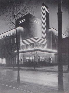 """Kino """"Titania-Palast"""". Es läuft """"Der Alte Fritz- Teil 2, Ausklang"""".  Berlin, 1927/28. o.p."""