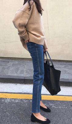 New Makeup Blue Outfit Casual Ideas Mode Outfits, Casual Outfits, Fashion Outfits, Fashion Trends, Fashion Styles, Minimal Outfit, Look Fashion, Korean Fashion, Fall Fashion