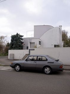 stuttgart / weissenhofsiedlung - What ever happened to SAAB Bauhaus, Saab Automobile, Saab 900, Motorcycle Manufacturers, Ludwig Mies Van Der Rohe, Import Cars, Koenigsegg, Cars And Motorcycles, Modern Architecture
