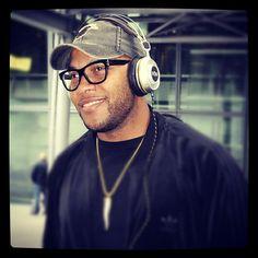 Flo Rida rockin his #houseofmarley Destiny TTR Over-Ear Headphones in London! #OneLove #LiveMarley #BobMarley www.thehouseofmarley.com