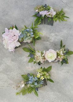 Flower comb for wedding inspiration Diy Flower Crown, Diy Crown, Flower Crown Wedding, Bridal Flowers, Diy Flowers, Flowers In Hair, Bridesmaid Flower Crowns, Bridal Flower Crowns, Wedding Hair Flowers