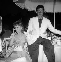 Eddie Fisher and Debbie Reynolds Hollywood Glamour, Old Hollywood, Debbie Reynolds Carrie Fisher, Eddie Fisher, Sweet Lady, Activists, Famous Women, Family Business, Beauty Queens