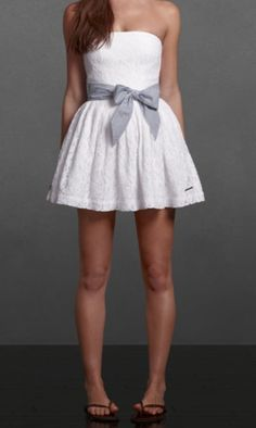 A and f dress. Would look amazing with my navy ruffly Hollister cardigan :)