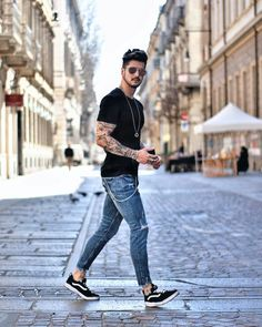 Style guide mens fashion this summer 07 hutesh in 2019 мужск Stylish Men, Men Casual, Sneakers Fashion, Fashion Outfits, Trendy Fashion, Fashion Hair, Party Fashion, Fashion Men, Chic Outfits