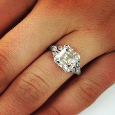 Gorgeous Vintage Asscher cut Diamond Engagement ring!