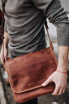 Small Leather Bag, Leather Men, Vintage Leather, Saddle Leather, Leather Bags For Men, Mens Leather Accessories, Leather Totes, Classic Leather, Women Accessories