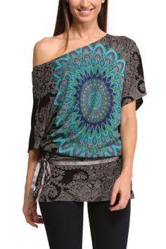 Desigual women's Carly T-shirt. Fun. An oversize boat neck T-shirt with a very cool mandala. Fun and original.