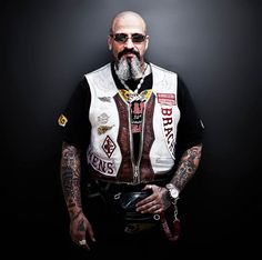 Bikers – Portraits of Hells Angels by Nicolas Auproux (image)