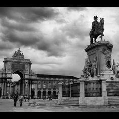 Plaza del Comercio #lisbon #lisboa #buildings #architecture #arquitectura #bn #bw #blanckandwhite #blancoynegro