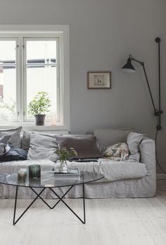 Healthy living tips for seniors home care home Living Room Green, Living Room Interior, Home Living Room, Living Room Designs, Living Room Decor, Living Tv, Scandinavian Living, Living Room Inspiration, Ikea