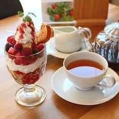 熊本鹿児島をお得に楽しむクポン本もっトク もっトク熊本2017夏号掲載店舗様のご紹介です P96 FLAT CAFE 様 ミックスベリーパフェお好きなドリンク 通常810円が半額の405円になります 居心地の良い上質な空間でゆったりとカフェタイムをお楽しみください  #もっトク #クーポン #flat_cafe #FLATCAFE #フラットカフェ #カフェ #パフェ #熊本クーポン