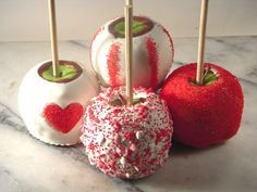 Take care of all the valentines on your list with this apple assortment. Each Granny Smith apple is dipped in our buttery homemade caramel and dunked again into creamy white chocolate. Each one is topped off with a unique valentine Valentines Day Food, My Funny Valentine, Homemade Valentines Gifts For Him, Valentine Treats, Holiday Treats, Valentine Recipes, Holiday Gifts, Chocolate Covered Apples, Caramel Apples