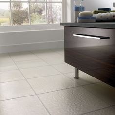 Amtico Molten Platinum Pearl - I love Amtico flooring. Very easy to look after. Amtico Flooring, Kitchen Flooring, Luxury Vinyl Tile, Vinyl Tiles, Flooring Ideas, Bathrooms, Pearl, Home, Bathroom