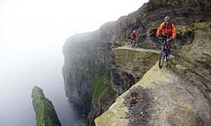 Cliffs of Moher, Ireland. Extremely extreme mountain biking, don't you think? Great Places, Places To Go, Beautiful Places, Mountain Biking, Moutain Bike, Sites Touristiques, Cliffs Of Moher, Living On The Edge, Bike Path