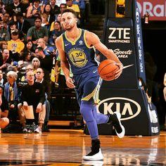 """좋아요 3,611개, 댓글 15개 - Instagram의 Stephen Curry Fanpage(@bayshero)님: """"Steph has 27 5 and 6 right now. It's the 4th quarter."""""""