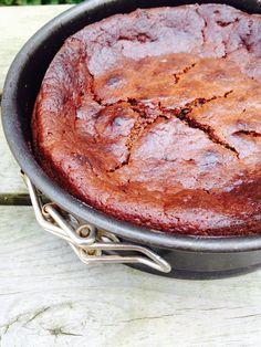Fondant chocolat à la compote de pommes (sans oeuf, sans sucre) / #eggfree #sugarfree #vegan / http://www.closeupfactory.com/2015/04/recette-facile-du-fondant-chocolat-sugar-free-egg-free.html